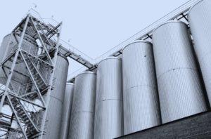 Untersuchungen zur Druckstoßfestigkeit und zum Explosionsschutz im Apparate- und Anlagenbau